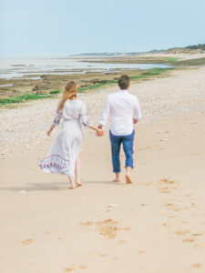 Once arrived on Ile de Re, early in the morning to be in this perfect morning light, we had the impression of being on a deserted island ... an island just for them, and for their engagement session before their wedding in Abbaye de la Grace Dieu... Chic, cozy, relaxed, elegant, crazy, and in love.