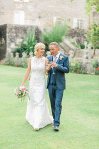 This is the Florence & Jean Pierre wedding day in a beautiful french venue, the Chateau de Crazannes, in Charente Maritime. With a nice touch of elegance, this intimate wedding was perfect as the bride wanted.